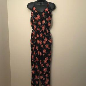 FOREVER 21: Floral Print Pocketed Jumpsuit